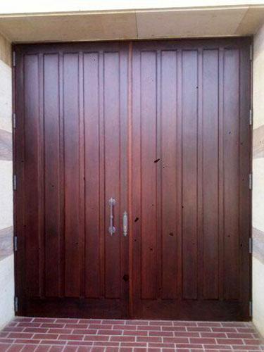 Puerta madera