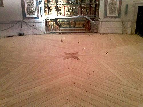 Suelo Monasterio en Madera de Pino de Iroko